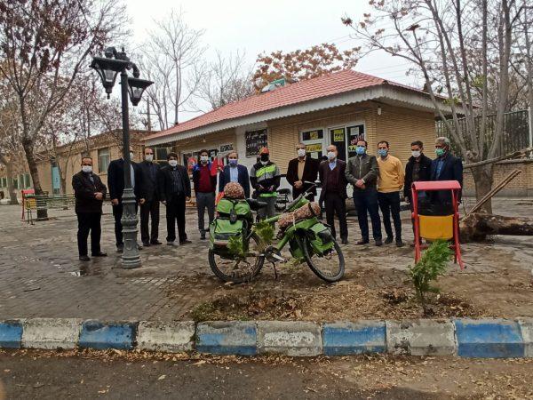 برگزاری مراسم یادبود شهیدان گمنام، مدافع سلامت و حفاظت از جنگل در چناران با کاشت دو نهال