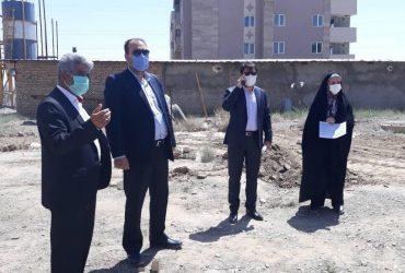 بازدید مسئولان از ایمنسازی و تکمیل دیوار محوطه مجتمعهای مسکونی گلبهار